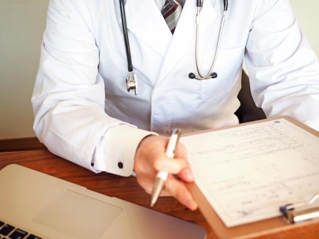 休職希望者と面談する産業医は重要な存在です